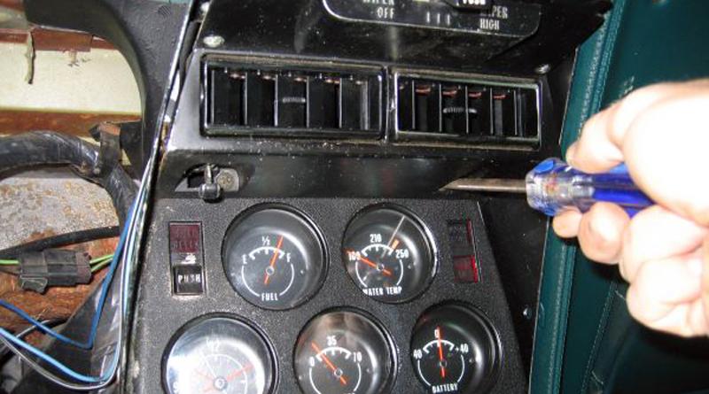 center console removal the corvette restoration page rh corvette restoration com