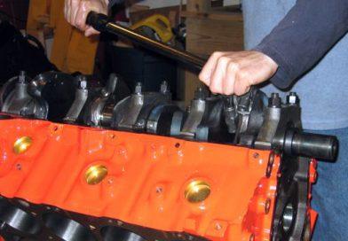 Crankshaft Installation and Piston Assembly